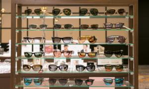 調光レンズと偏光レンズの違いは?サングラス購入時の見分け方